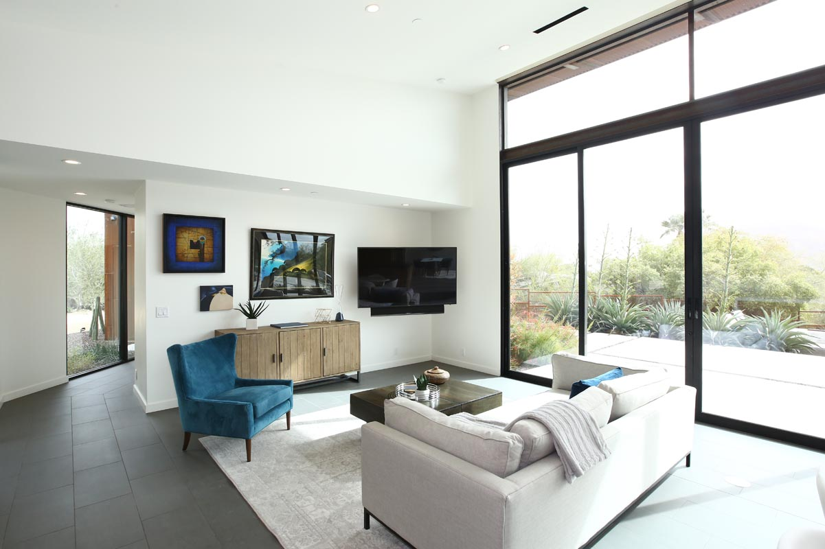 iSearch Decor Paradise Valley Family Room Staging Photo